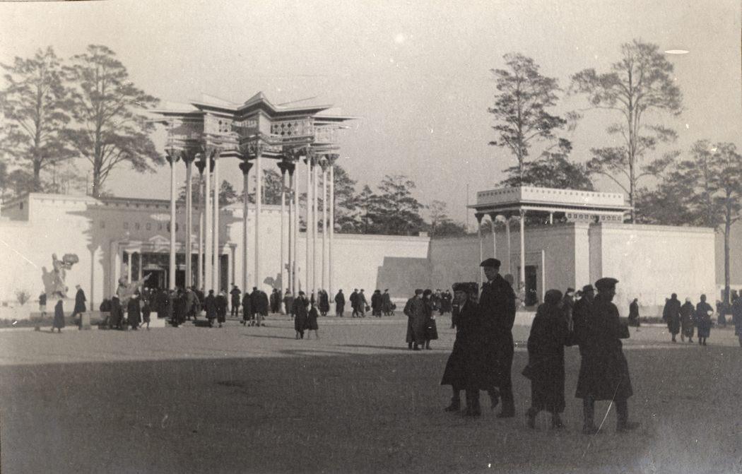 Il padiglione della Repubblica Socialista Sovietica Uzbeka in una foto del 1939-40