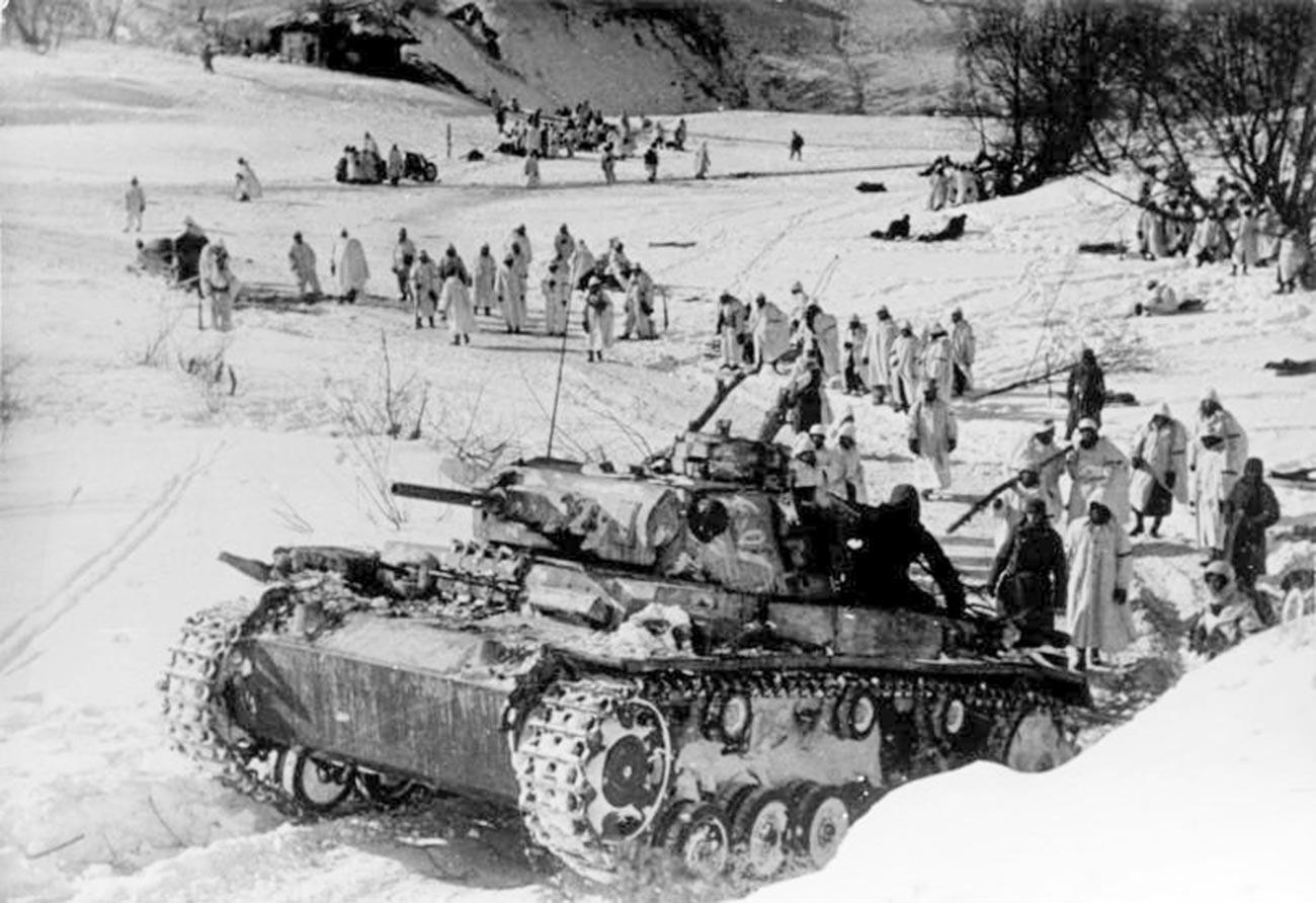 Немецкие войска около Демянска.