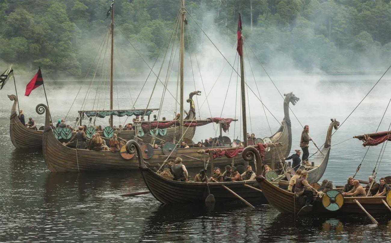 """Cuplikan adegan dari film serial """"Vikings"""" (2013)."""