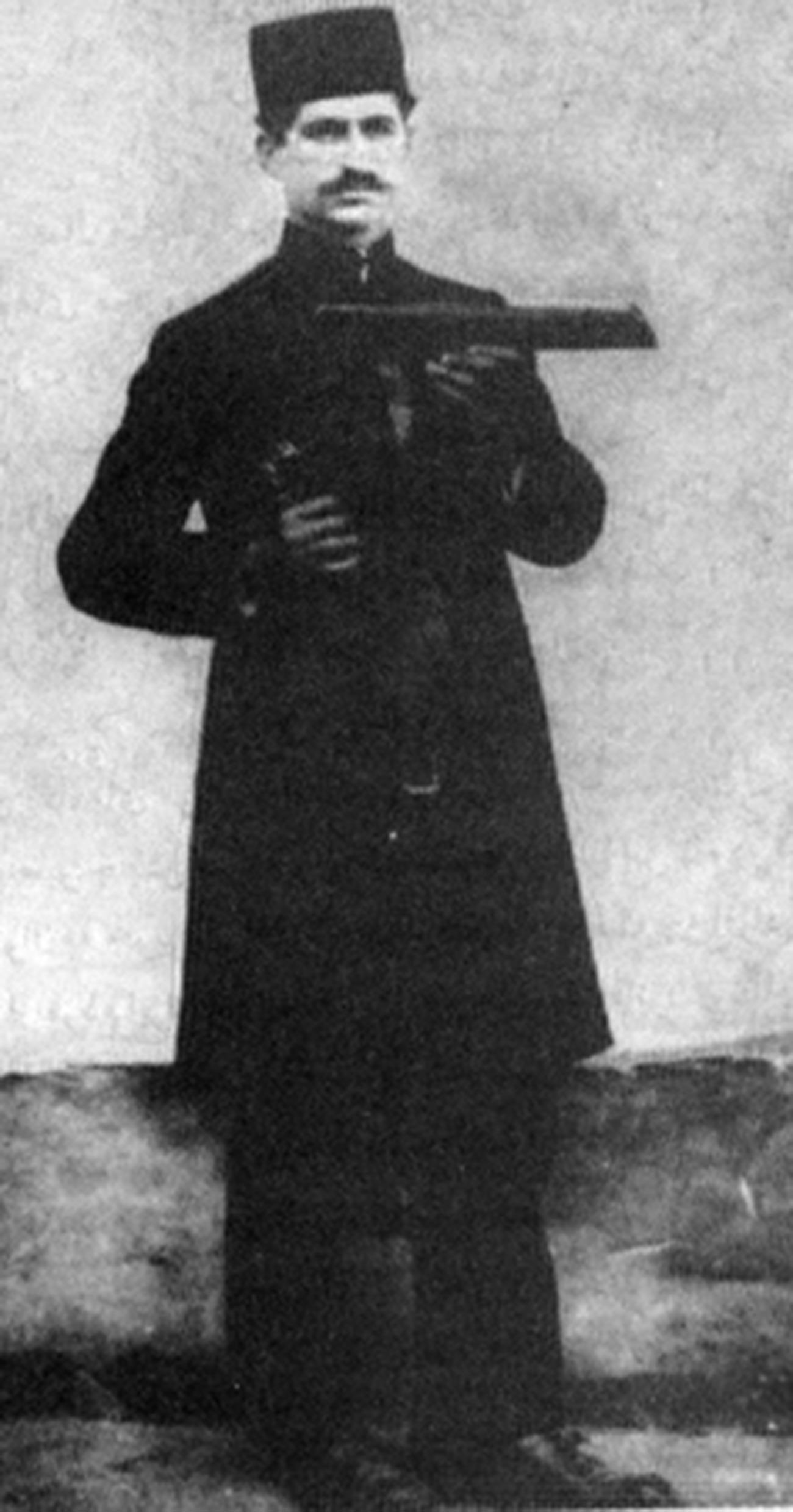Mirza Kuchak Khan