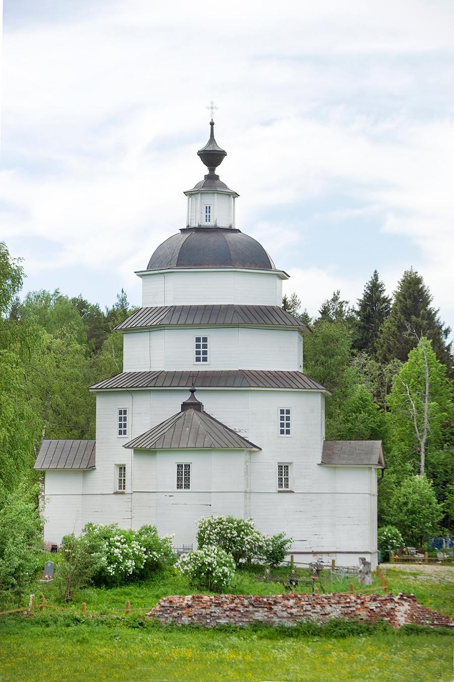 Church of Elijah the Prophet. East view. June 1, 2014