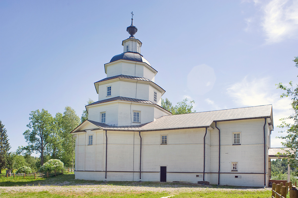 Tsypino. Church of Elijah the Prophet. Northwest view. June 1, 2014