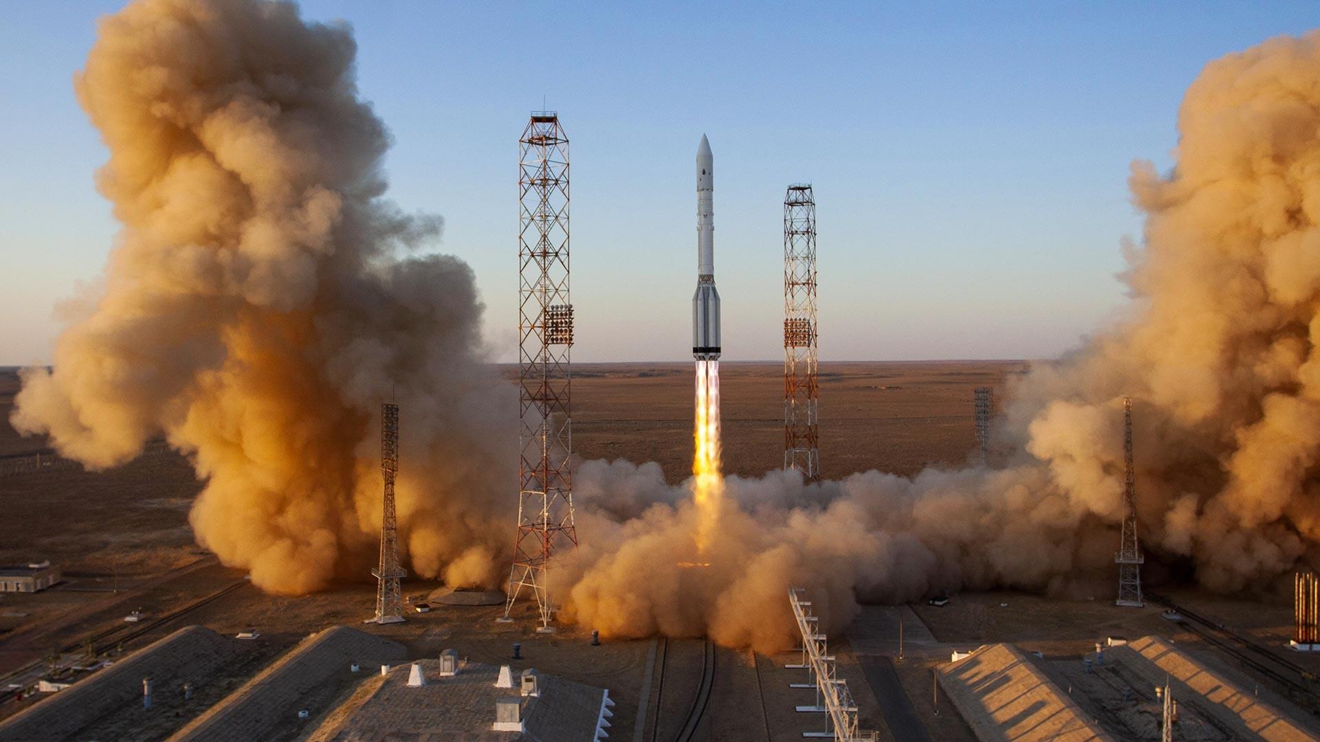 Пуск на ракетата-носител