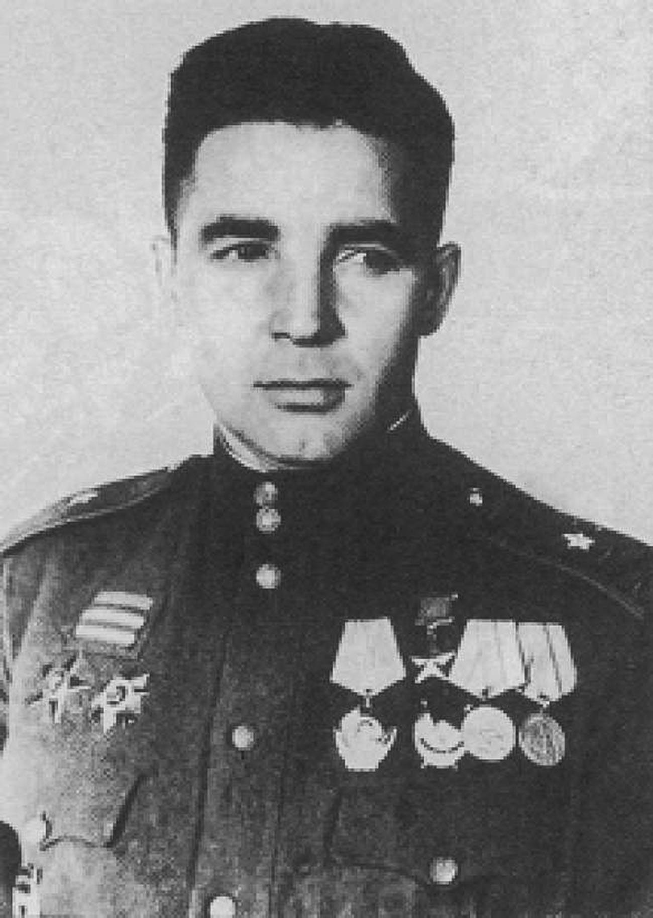Командир 49-й гвардейской стрелковой дивизии гвардии генерал-майор В. Ф. Маргелов.