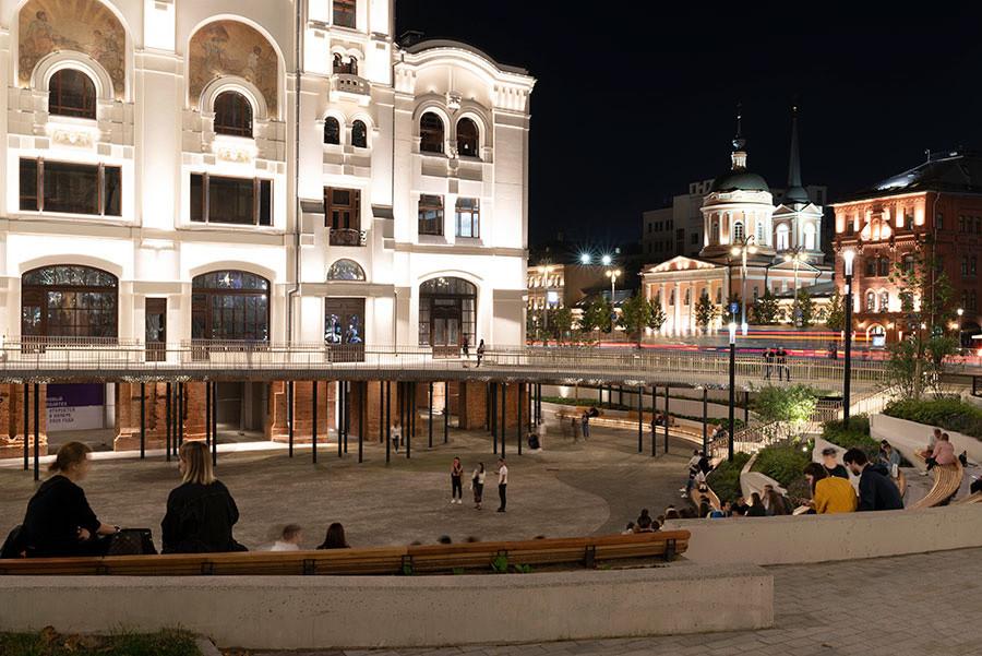 Новое общественное пространство у Политеха.