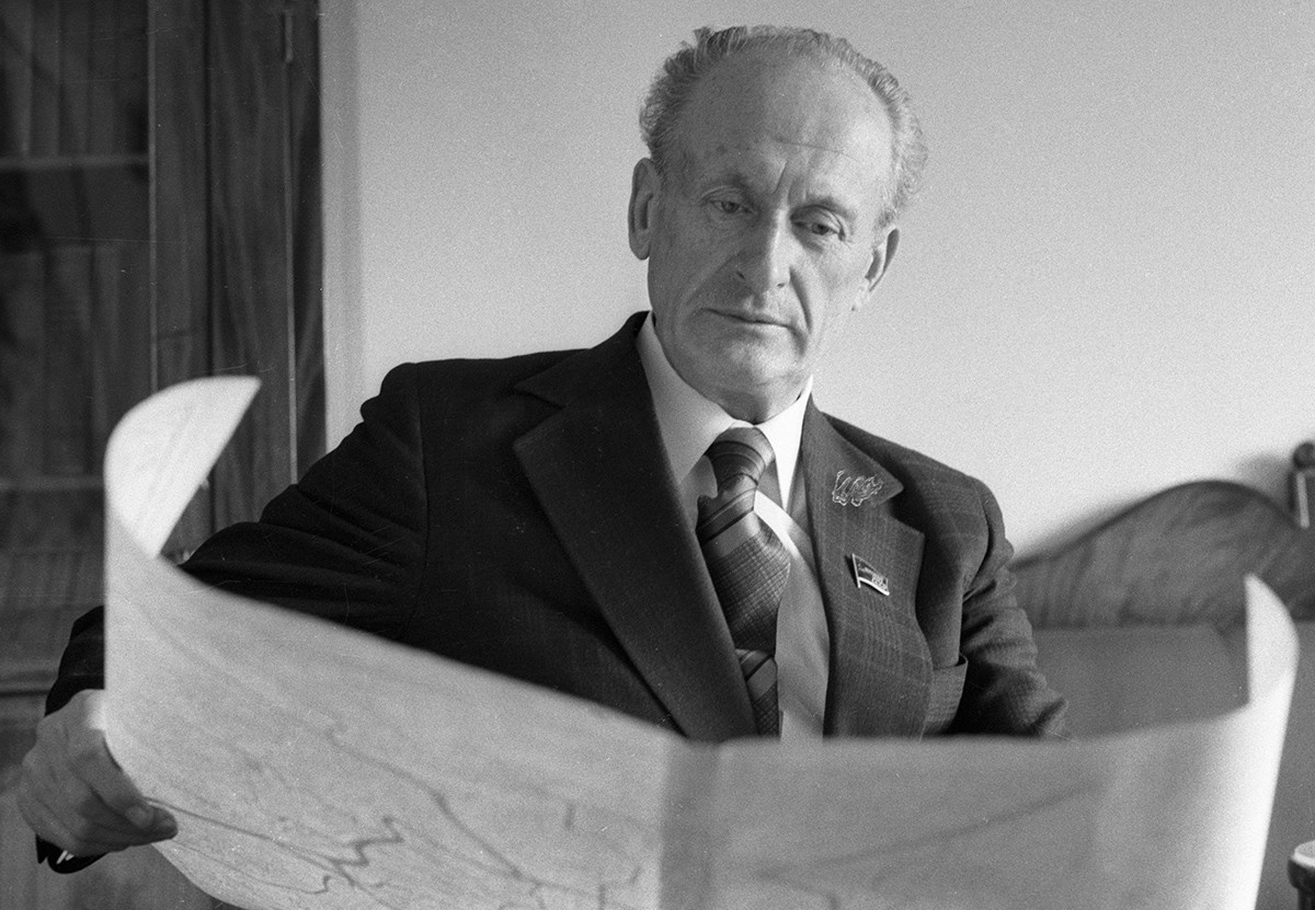Narodni arhitekt ZSSR, dobitnik državne in Leninove nagrade Mihail Posohin.