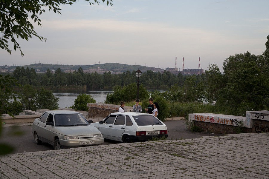 L'usine métallurgique locale est la plus grande de Russie, employant 17 600 travailleurs en 2019.