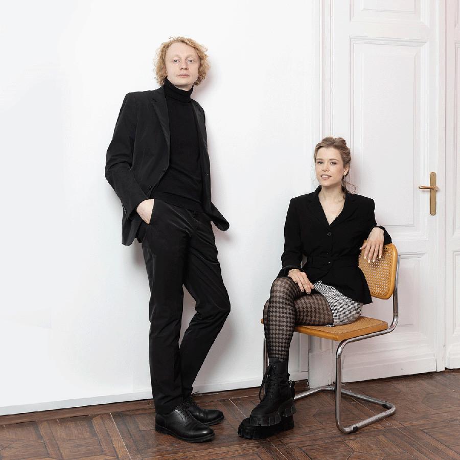 アンドレイ・アダモヴィチ(左)とダナ・マトコフスカヤ(右)