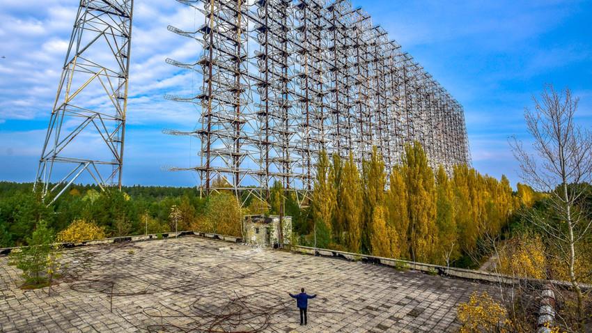 Bekas radar pertahanan udara Soviet, 'Duga'.