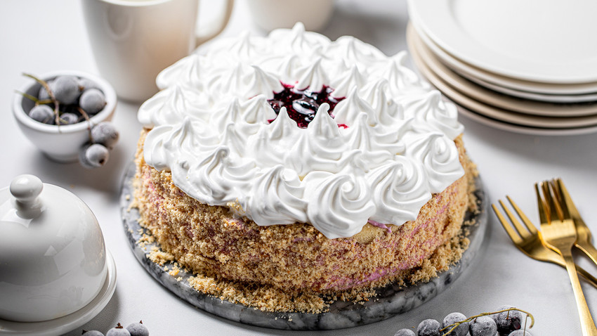 With our recipe you'll be able to enjoy this cake adored by Muscovites.