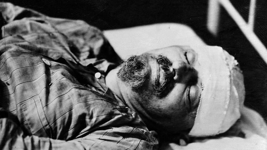 Lev Trotski después de fallecer a causa de las heridas infligidas por el agente del NKVD Ramón Mercader. Ciudad de México, 21 de agosto de 1940.