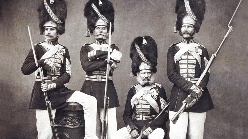 Membri della Compagnia dei Granatieri del Palazzo
