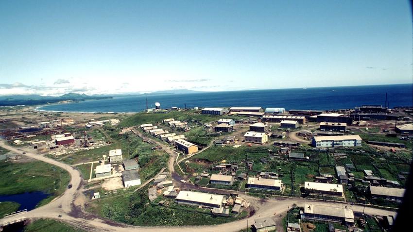 Pemandangan Pulau Kunashir, salau satu pulau di Kepulauan Kuril, Rusia, yang berbatasan dengan Jepang.