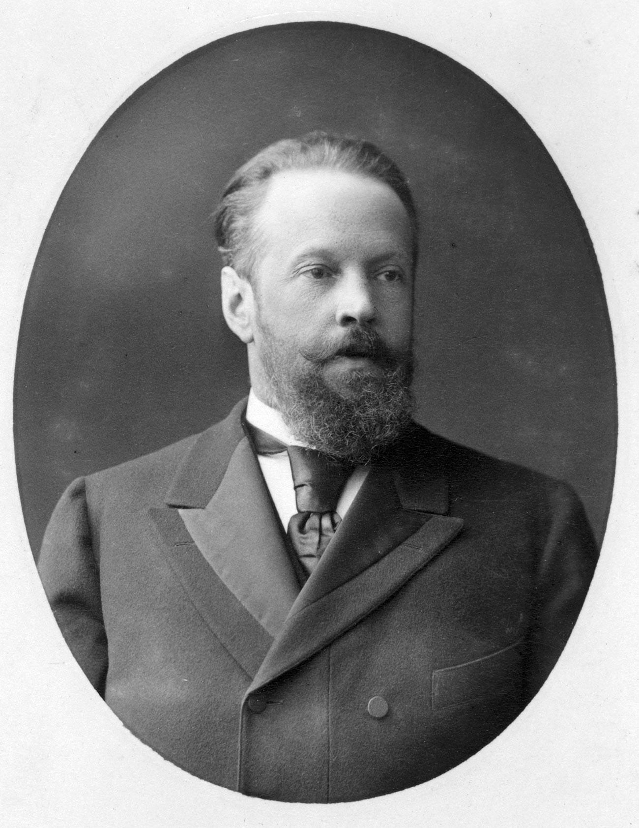 Sergey Witte, pria yang memperkenalkan podstakannik di kereta api Rusia.
