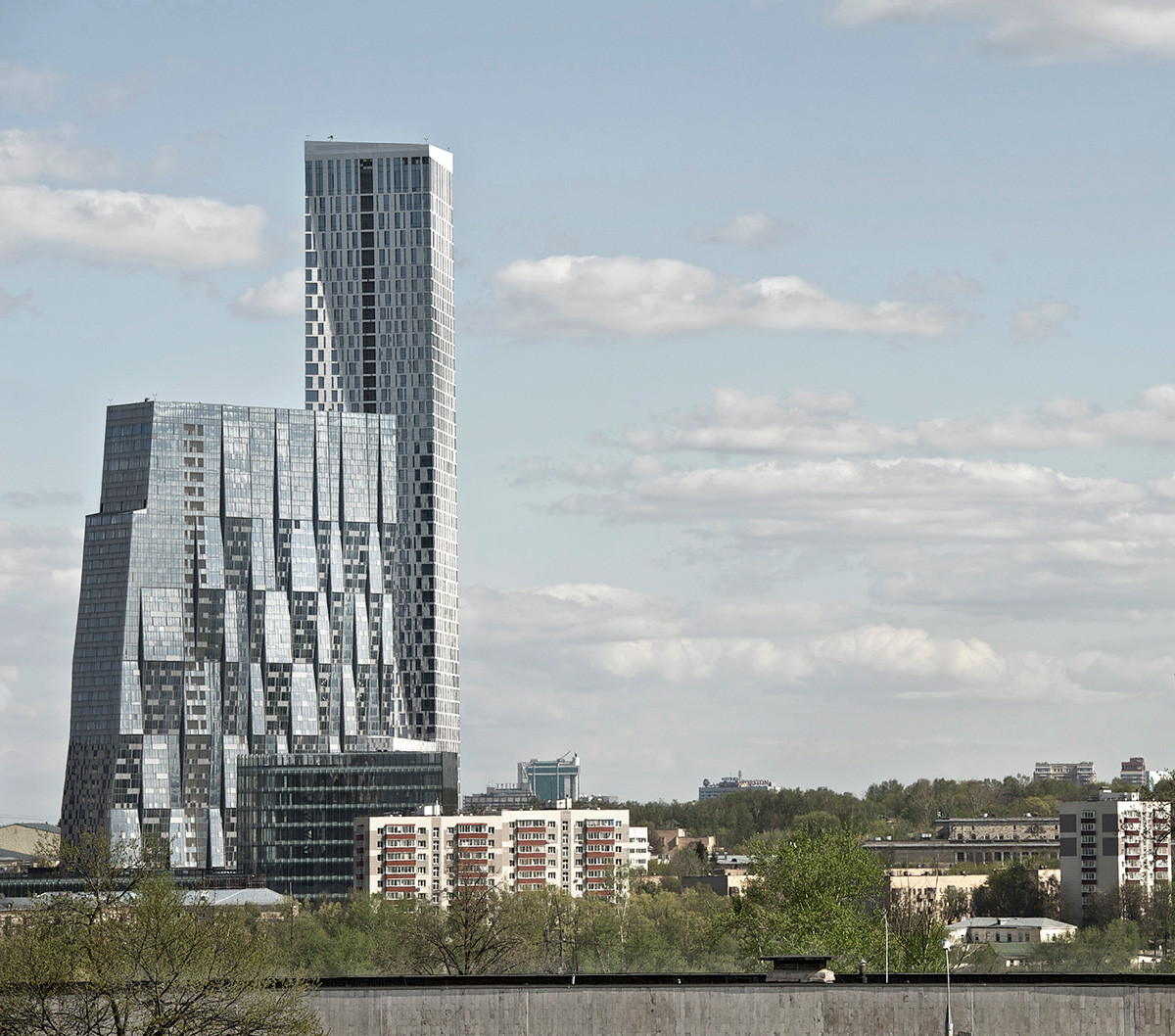 The skyscraper on Mosfilmovskaya Street.