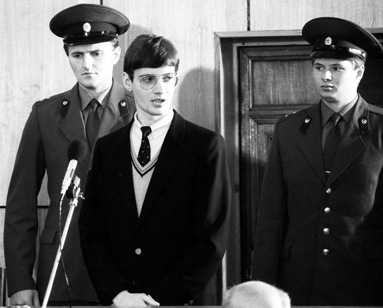 Mathias Rust durante julgamento em Moscou, em 1987