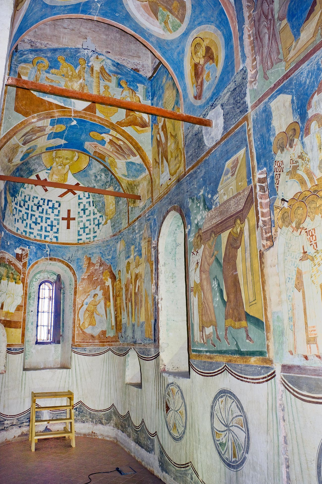 Cathedral of Nativity. South apse with frescoes of St. Nicholas. June 1, 2014