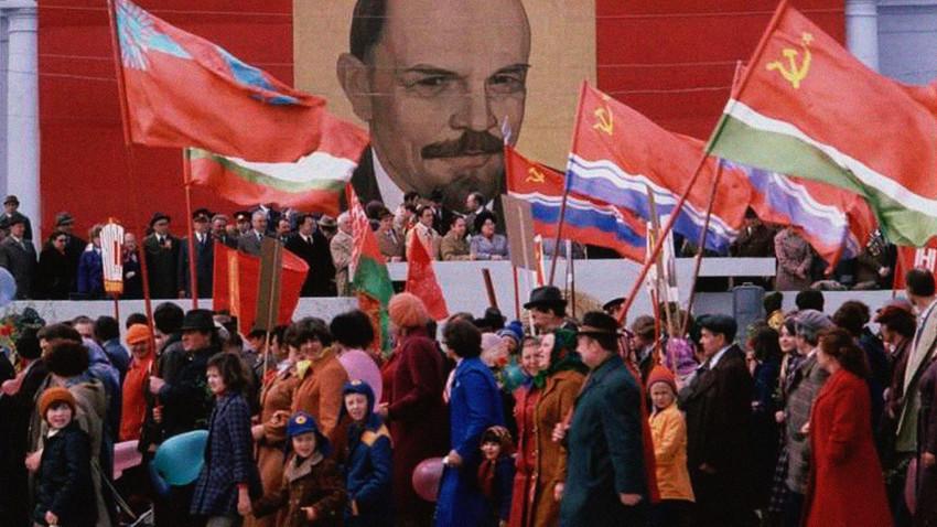 Sebuah aksi unjuk rasa di Moskow.