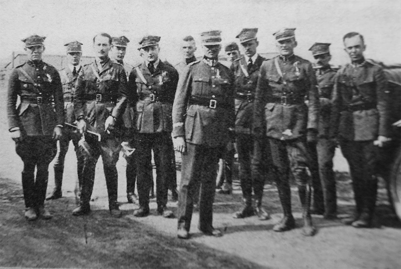 Летчики эскадрильи имени Тадеуша Костюшко в 1920 году.