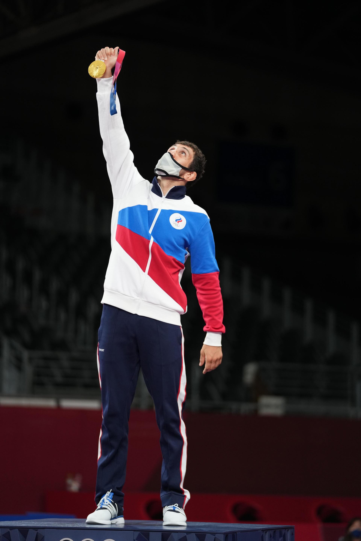 Zaurbek Sidakov memenangkan final gulat gaya bebas 74 kilogram putra melawan Mahamedkhabib Kadzimahamedau dari Belarus di Olimpiade Tokyo 2020.