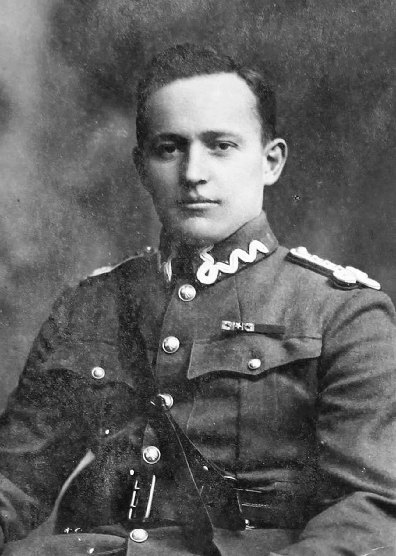 Купър в Лвов по времето на участието му в ескадрилата
