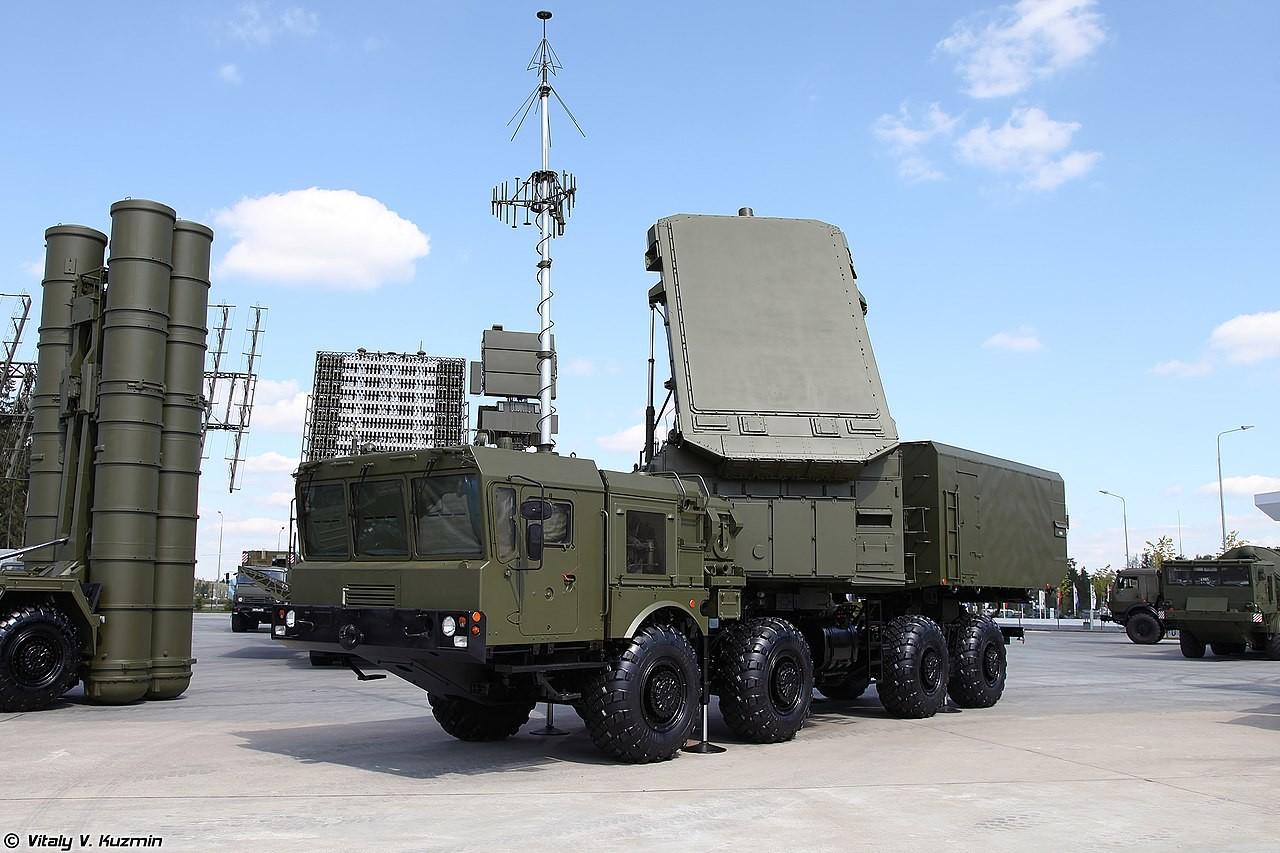Radar dolgega dosega 92N6A, ki je del protizračnega sistema S-400.