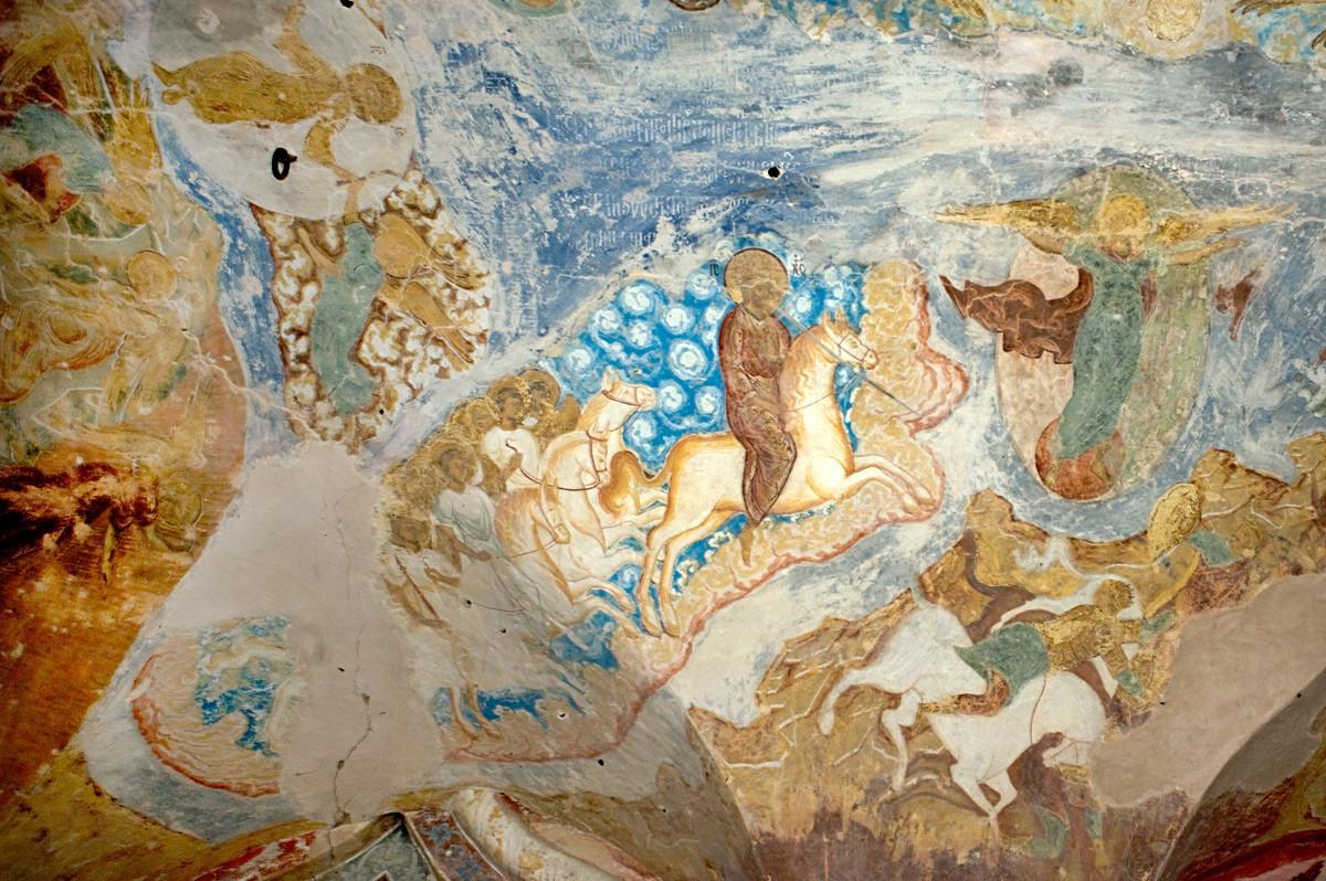Monastère Saint-Cyrille-Belozersk. Cathédrale de la Dormition, galerie nord. Fresques de l'Apocalypse sur le plafond, surplombant l'entrée nord de la cathédrale. Le Christ et des anges sur des chevaux blancs, à l'Armageddon