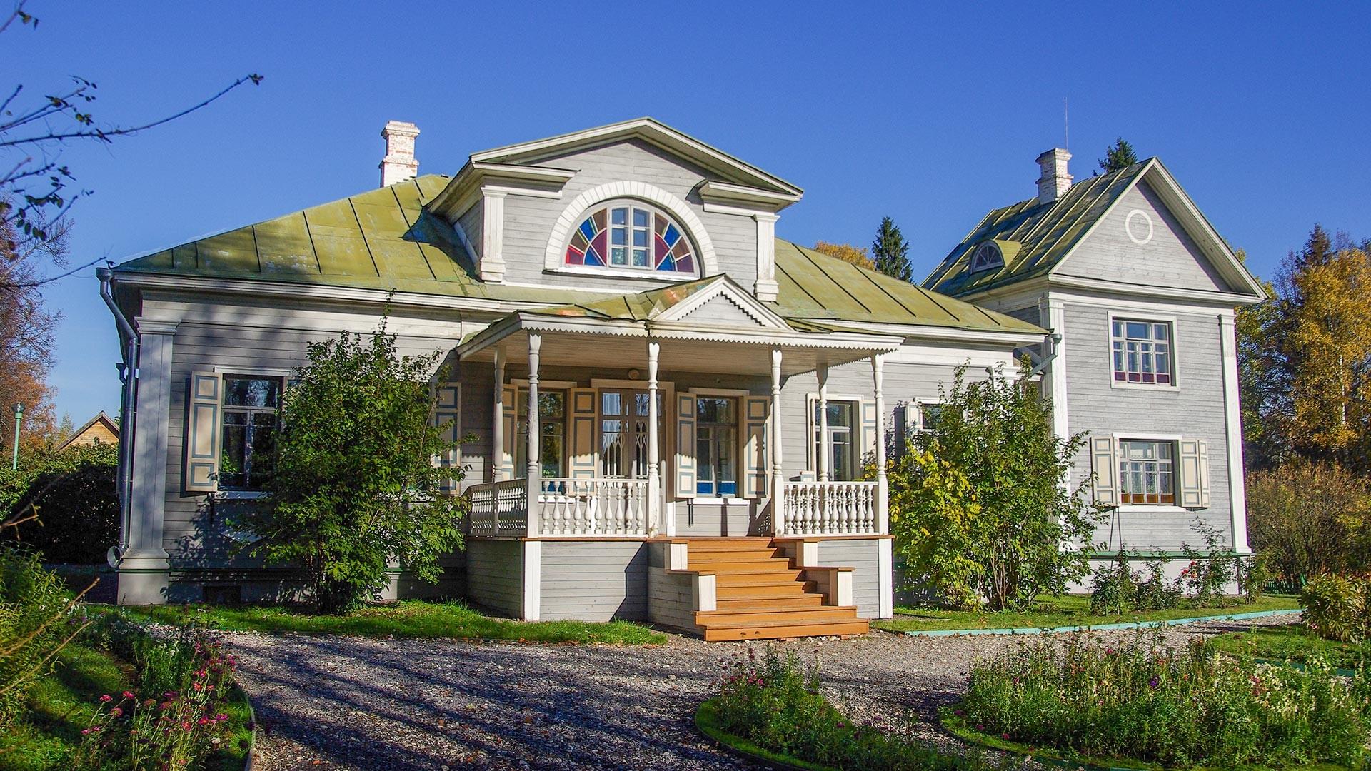 A house in Shakhmatovo