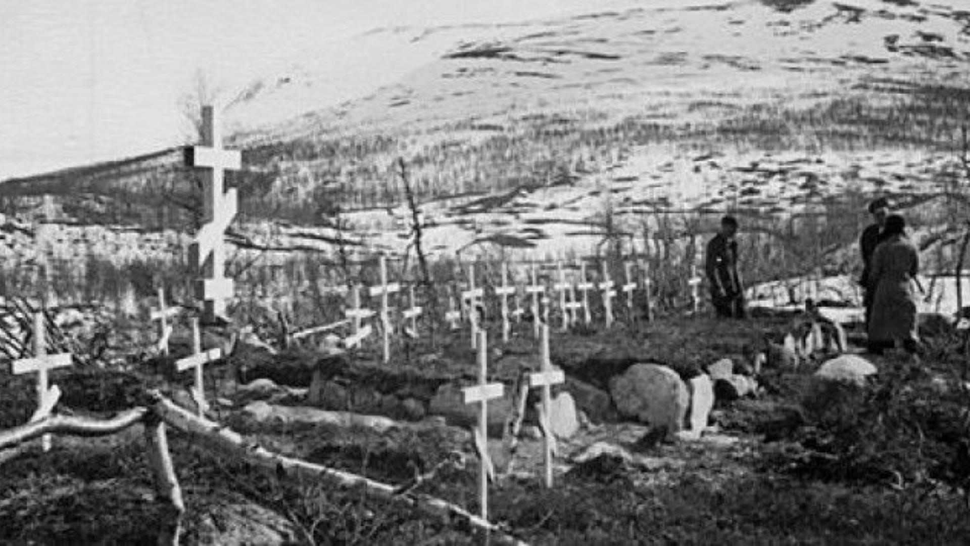 Pemakaman Soviet di Norwegia utara.