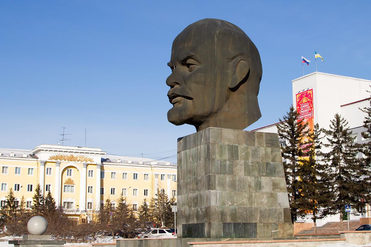 Monumen Lenin di Ulan-Ude.