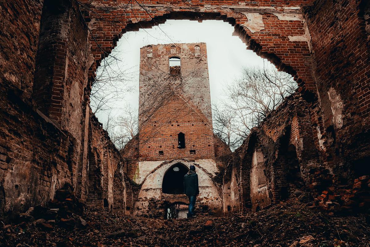 Ruinen von Nekrasowka (ehemals Schaaken)