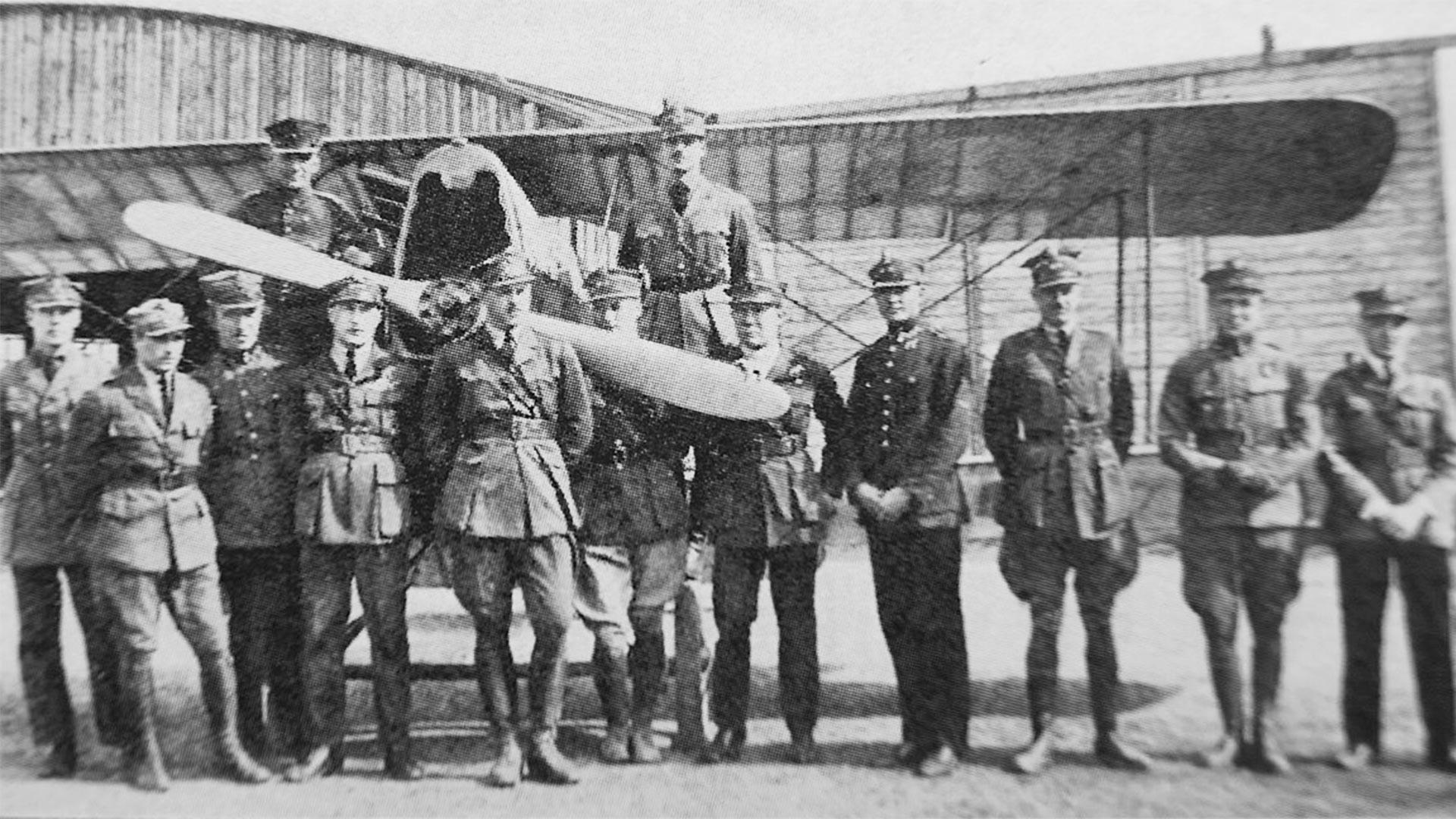 I piloti del 7° squadrone di caccia a Lwow