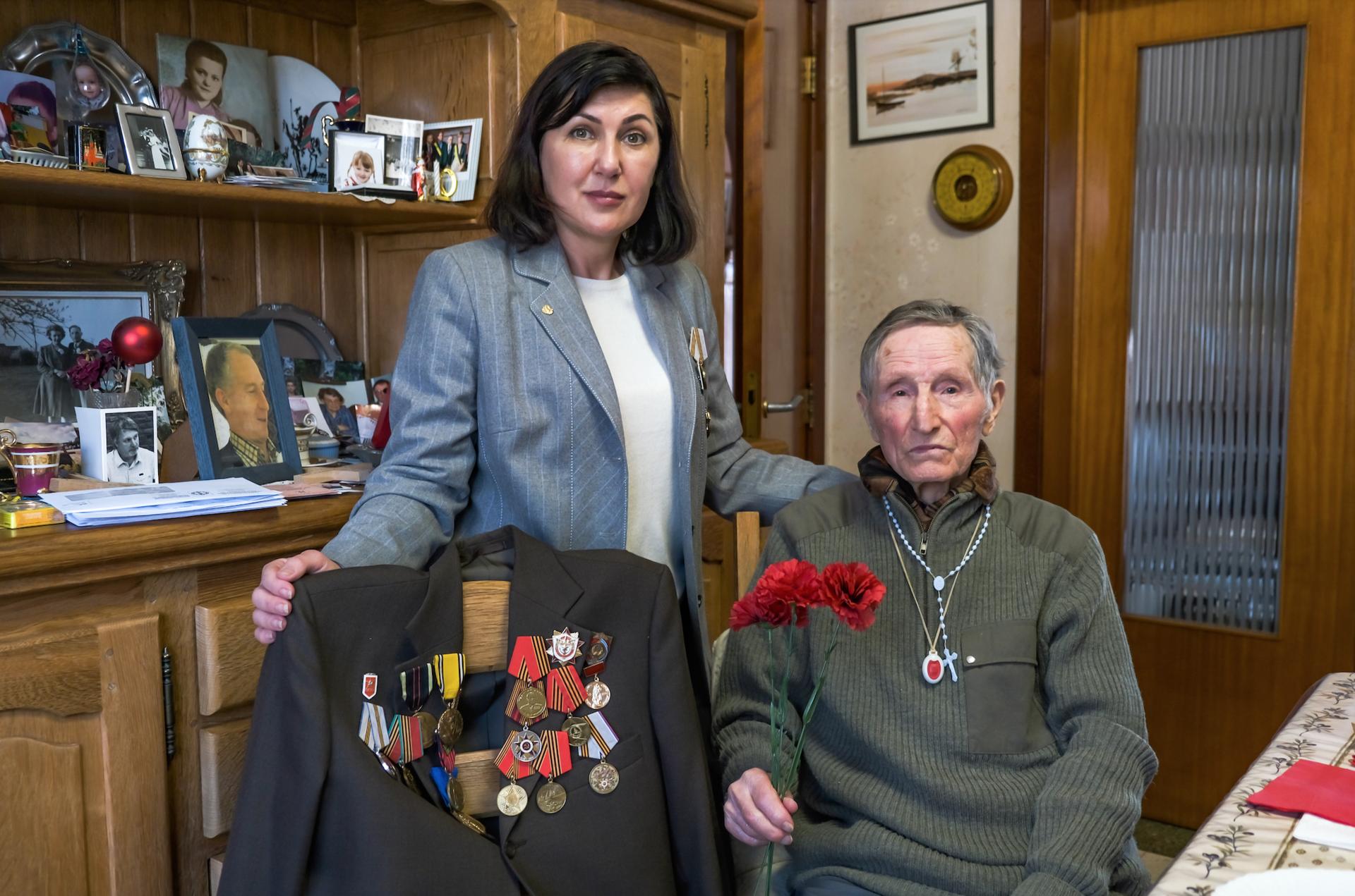 Ivan Bachkatov avec la présidente de l'organisation Meridian Ella Bondareva