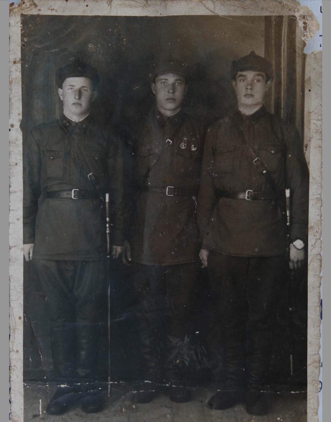 Ivan avec ses camarades soviétiques