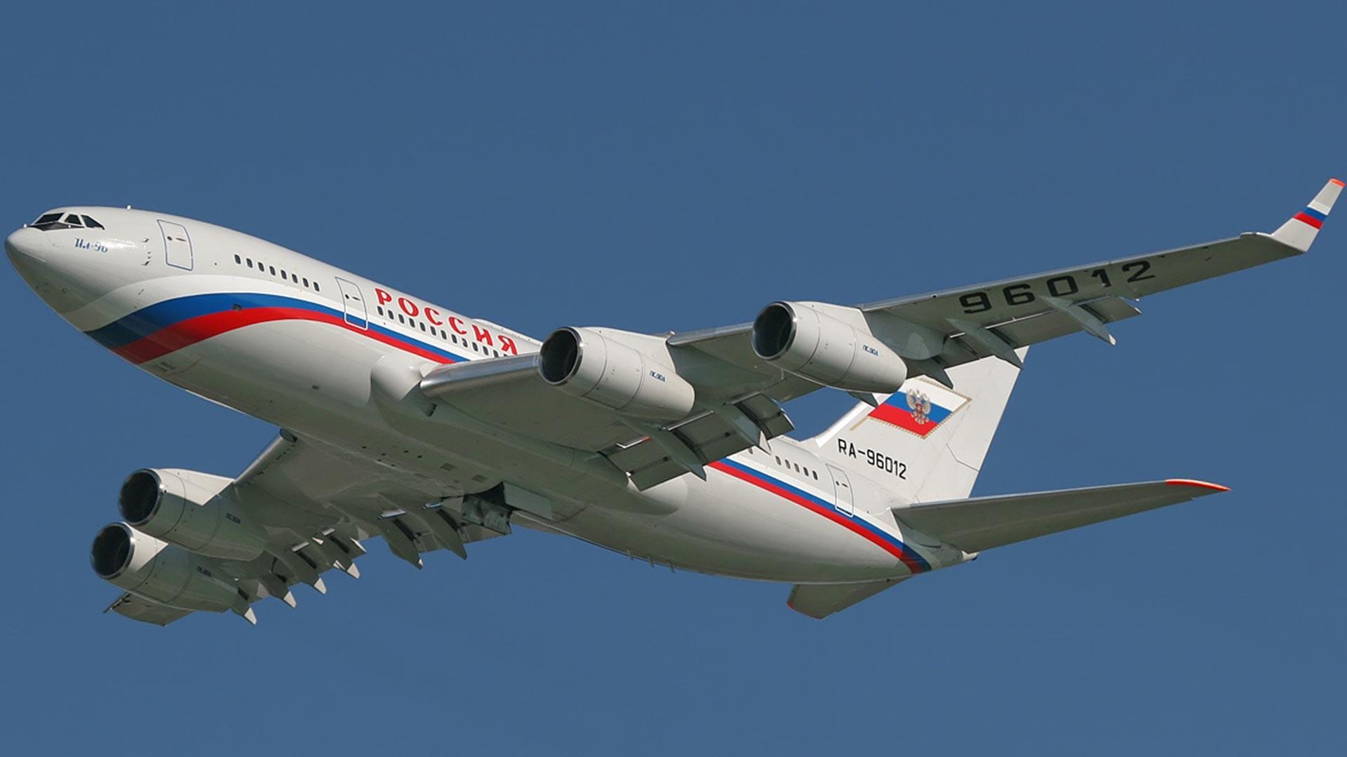 Ил-96-300ПУ/RA-96012