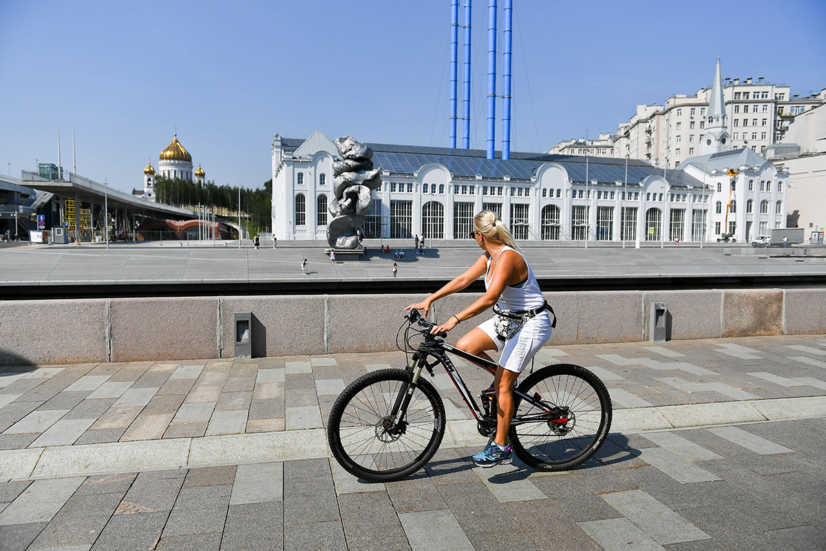 Muscovites started criticizing the statue even before it was installed