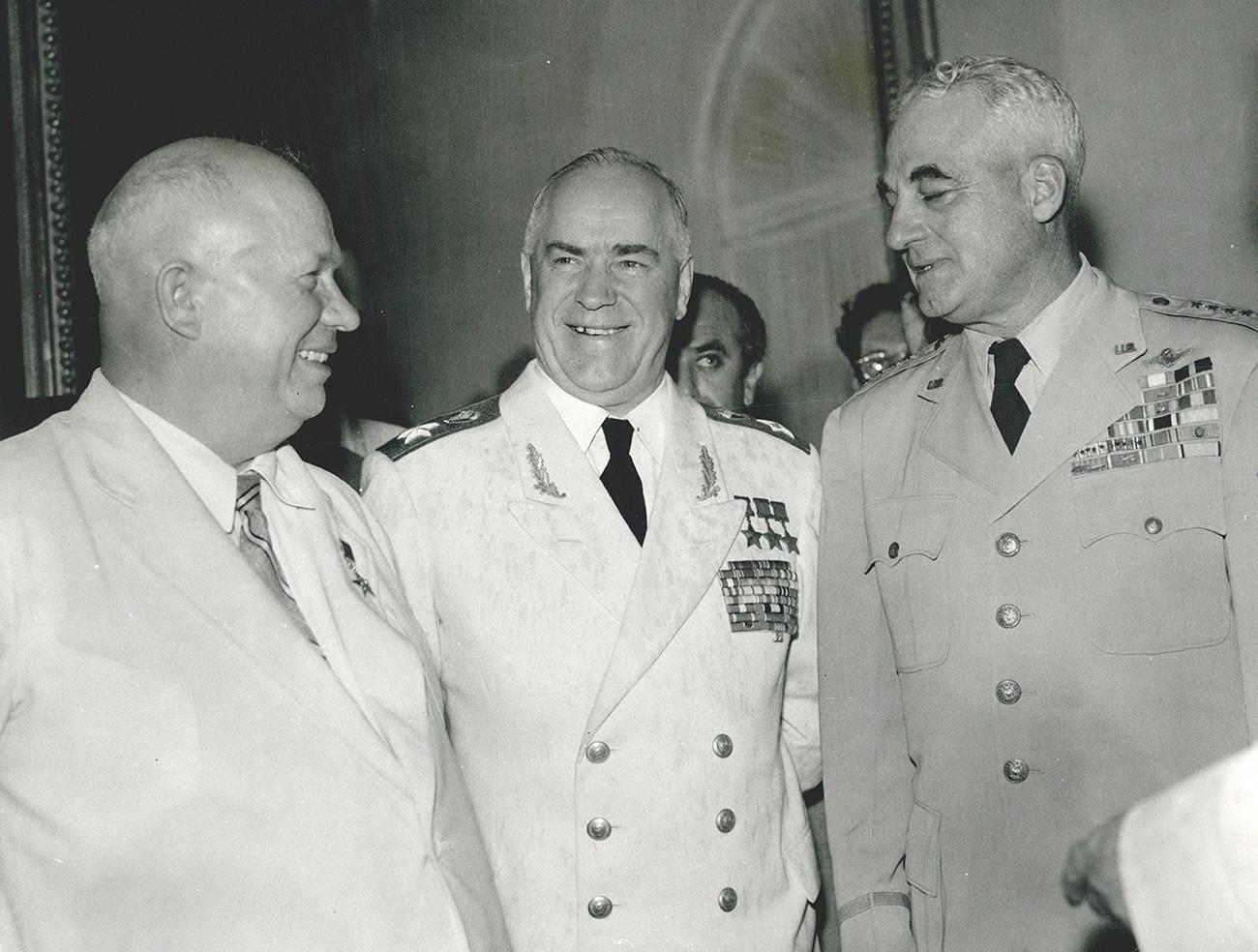 Khrushchev dan Zhukov