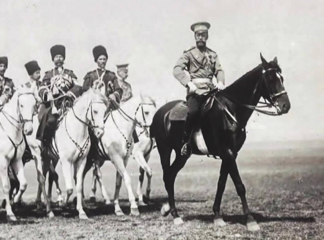 Николай II с казашки конвой