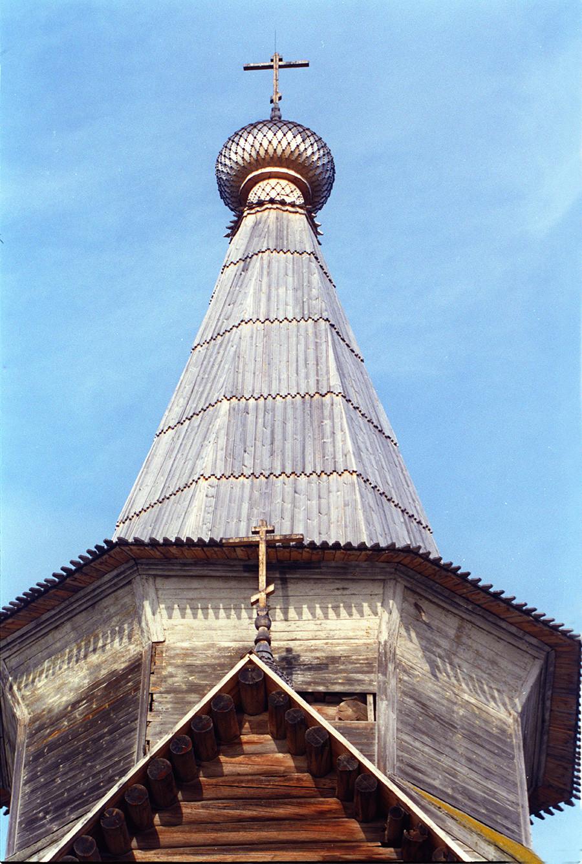 L'église du Prophète Élie. Structure supérieure et tour «tente», vue est