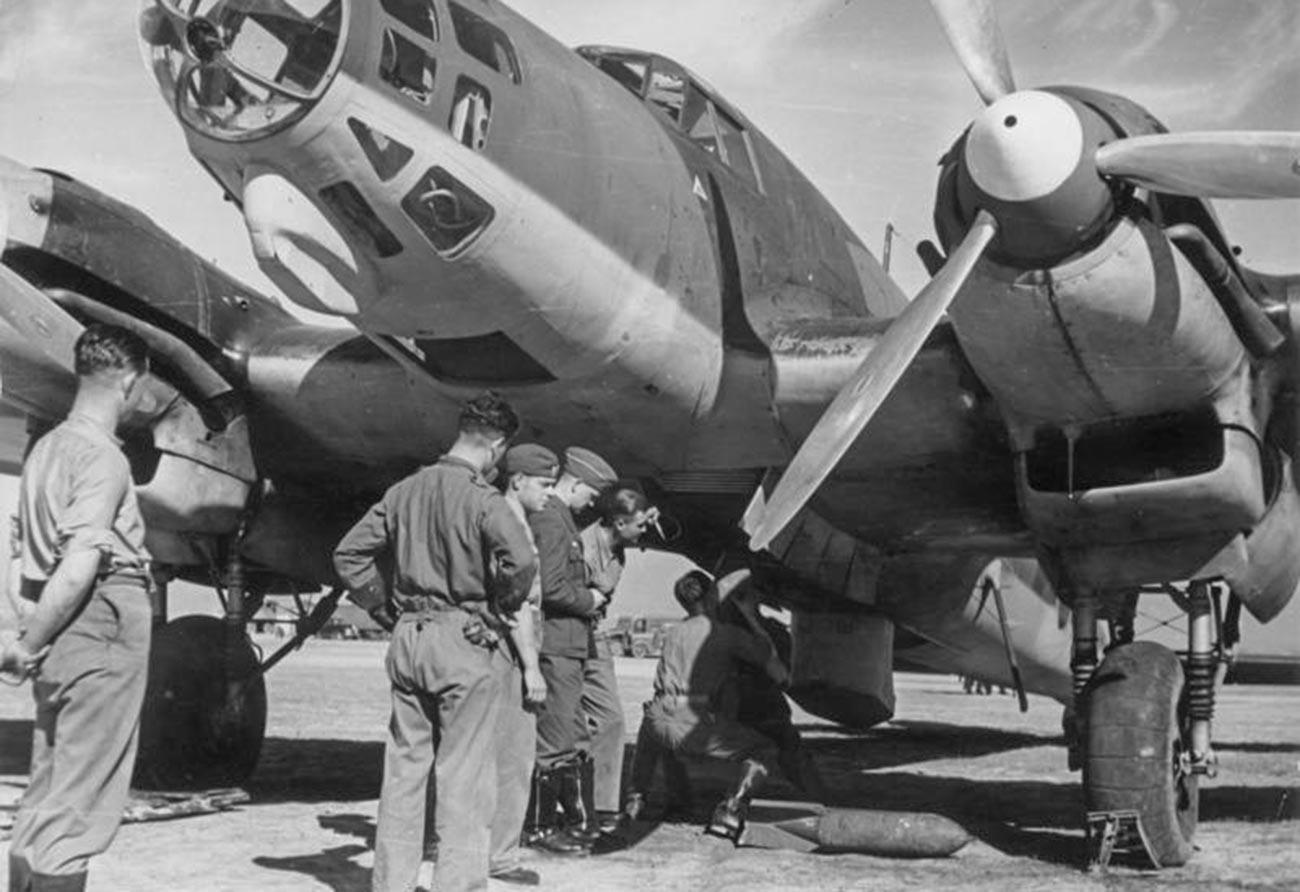 """Uomini della """"Legione Condor"""", un'unità militare aeronautica formata da volontari e aerei provenienti dalla Germania nazista a supporto di Francisco Franco"""