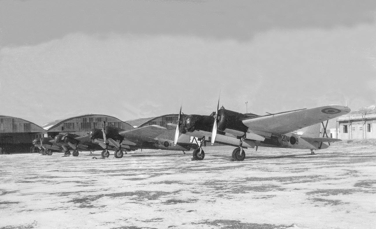 Dei Tupolev ANT-40 (SB) di produzione sovietica con le insegne della Fare (Fuerzas Aéreas de la República Española)