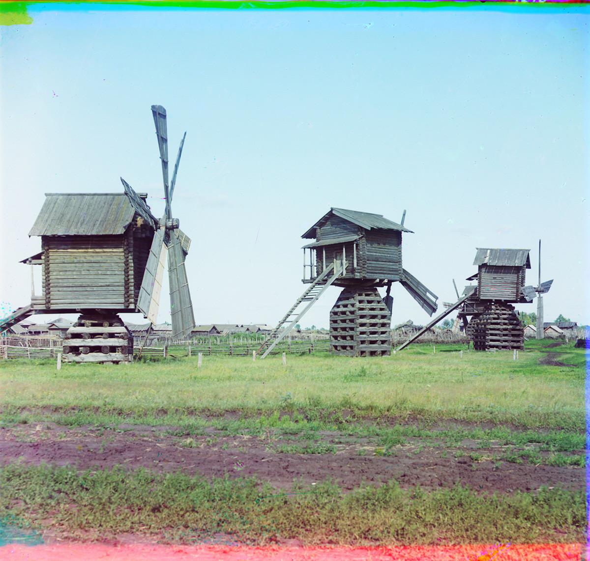 V bližini Jalutorovska. Mlini na veter. Poletje 1912