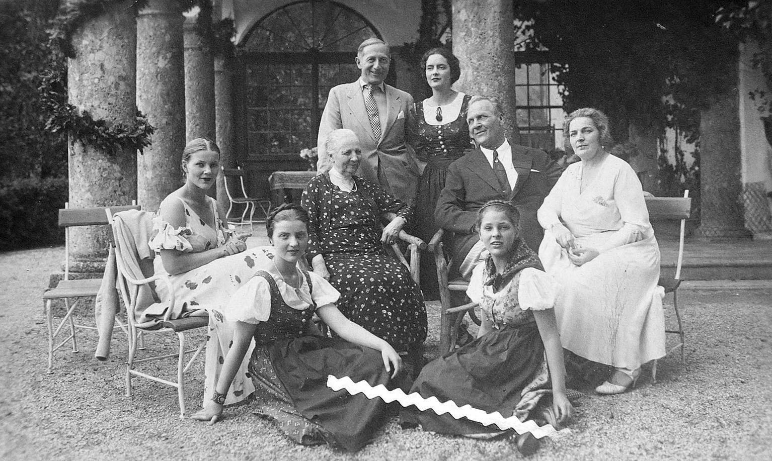 シャリャピン一家の写真、チロルにて、1934年
