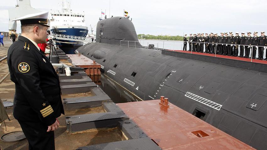 """Подводницата """"Ясен"""" в Северодвинск"""