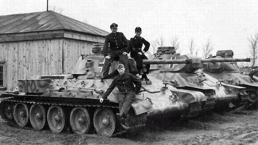 Пленени от немците съветски Т-34-76