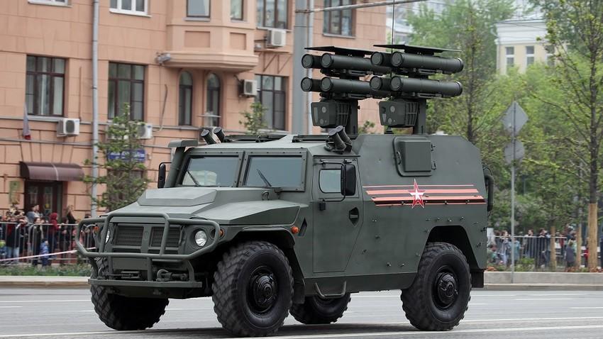 Возило ВПК-233116 Тигр-М наоружано ракетама ПТРК Корнет-Д1