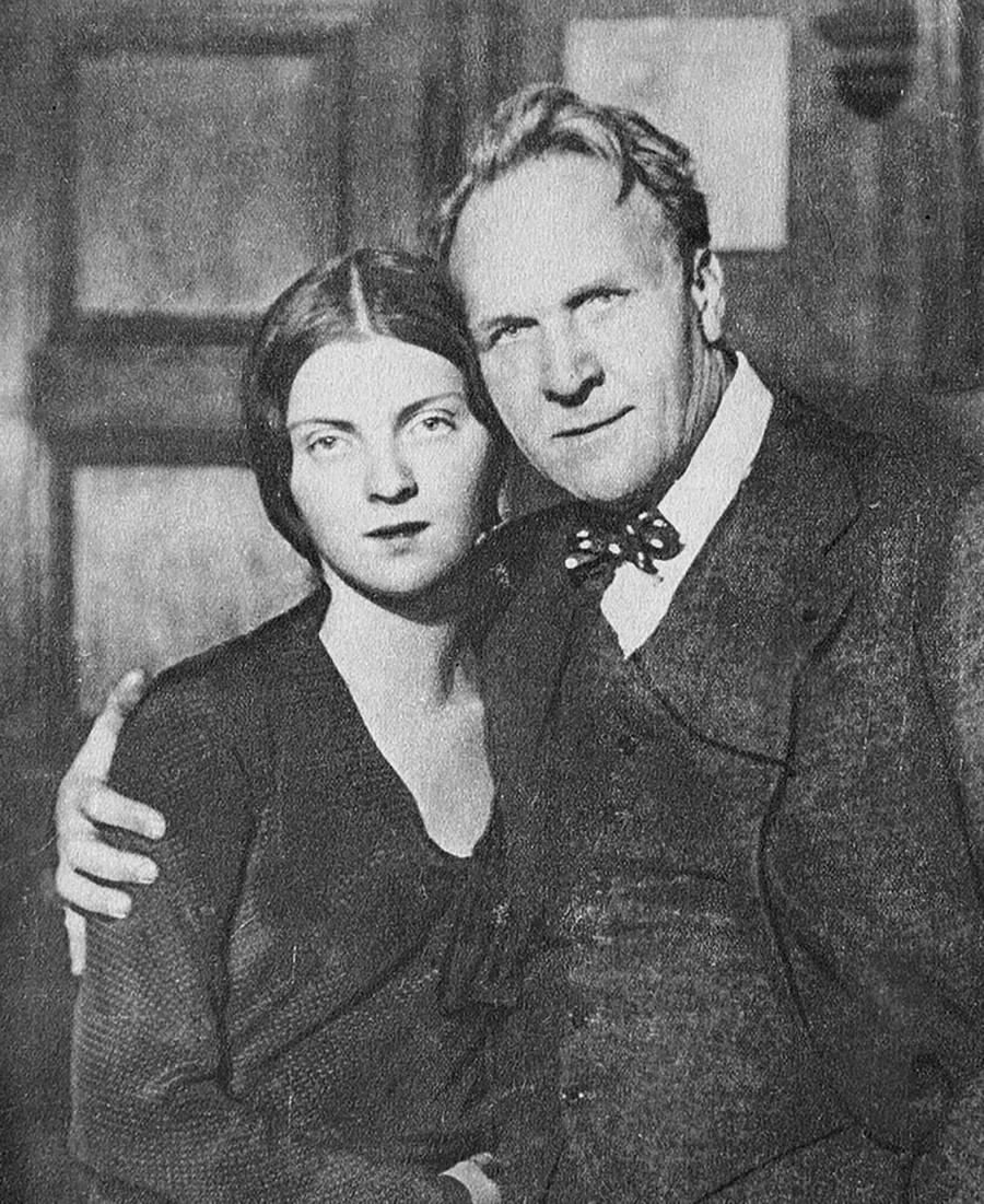 F. I. Schaljapin mit seiner Tochter Marina. Paris. 1931.