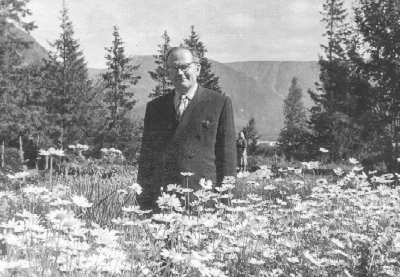 Николай Аврорин.  Сейчас ботанический сад носит его имя.