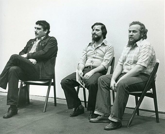 Da esq. para dir.: Serguêi Dovlátov e seus amigos Alexander Genis e Piotr Vail.