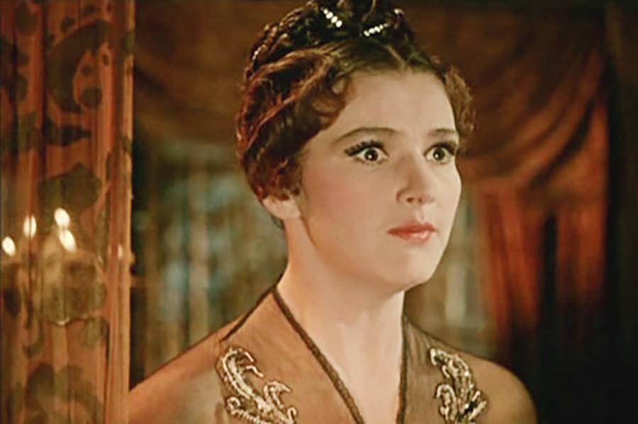 Julia Borisova as Nastasya Filippovna